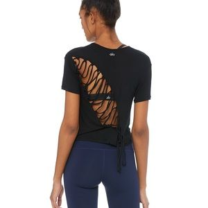 ALO Yoga Tops - ALO Yoga Entwine Short Sleeve Top in Black